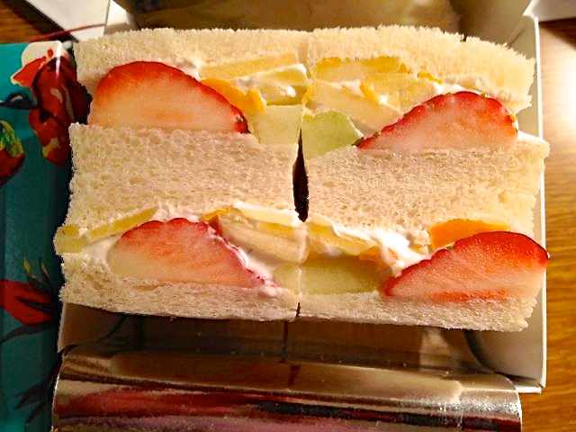 fruit-sandwich